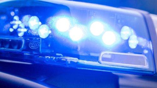 17-Jährige von Mädchengruppe beraubt und niedergestochen