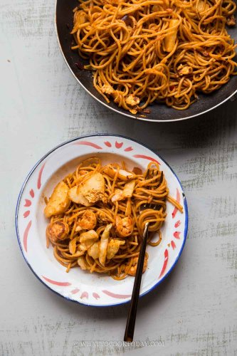 How To Cook Mee Goreng Mamak (Indian-style Fried Noodles)