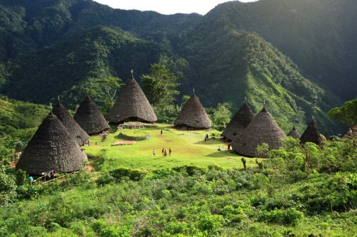 Discover Maumere, Indonesia in 5 days