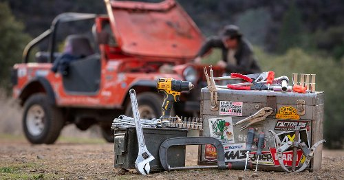 What to pack in a 4x4 tool kit