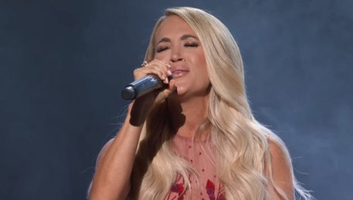 Carrie Underwood Honors Loretta, Dolly, Reba & More With Phenomenal ACM Awards Medley