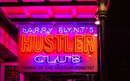 """New Orleans Strip Club Giving Out COVID Vaccines & Free Alcohol With """"Shot-For-Shot"""" Event"""