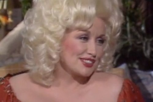 Dolly Parton Owns Barbara Walters AGAIN After She Doubles Down On Dolly Looking Like A Joke In 1982 Interview