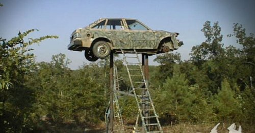 10 Hillbilly Deer Stands That Are The Definition Of Redneck Engineering