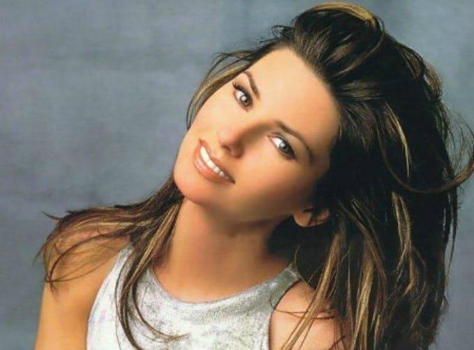 Shania Twain Finally Explains Why She Threw Shade At Brad Pitt Back In 1997