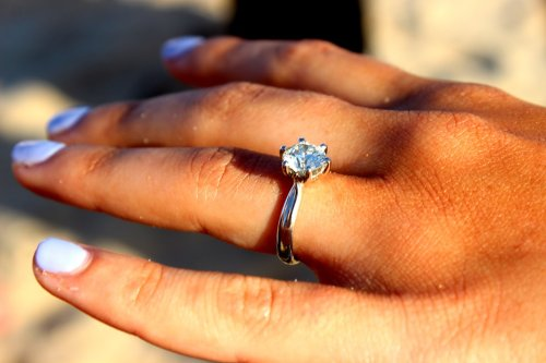 Never Post These 7 Things After Getting Engaged