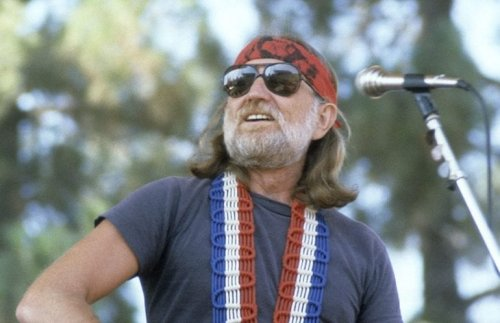 """Throwback To Willie Nelson Singing """"Whiskey River"""" At Austin City Limits In 1981"""