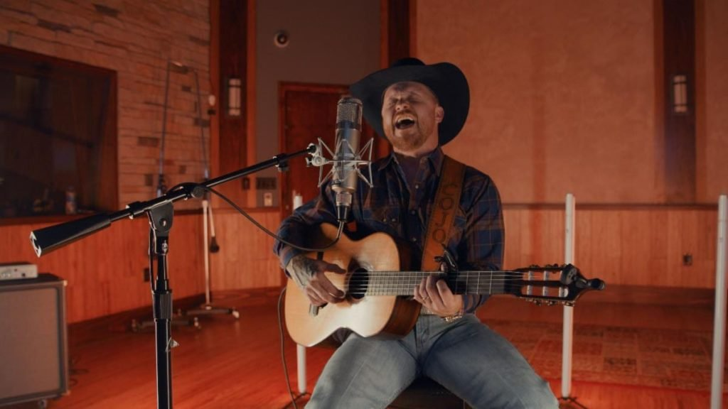 """Cody Johnson Delivers Flawless Cover Of Reba McEntire's 1986 Hit """"Whoever's In New England"""""""