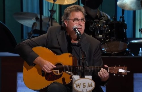 "Vince Gill Pays Tribute to the Legendary Mac Davis with a Cover of Elvis' ""In the Ghetto"""