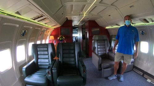 That's no Boeing 727, that's a Louisiana man's man cave