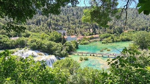 Krka Wasserfälle: Türkisgrünes Wandervergnügen mit Hund