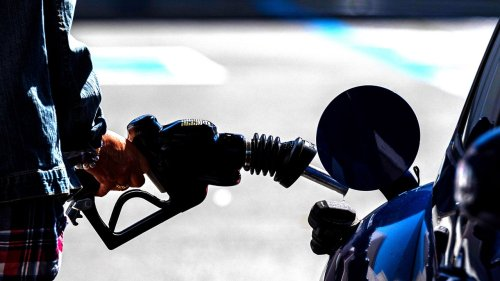 Can green synthetic fuels save the internal combustion engine?