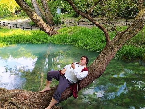 L'uomo che sta ricreando la contea degli hobbit in Abruzzo