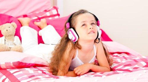 """Das ist """"Kira Kolumna"""", die neue Hörspiel-Heldin der Generation Z!"""