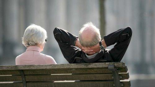 Immer mehr Menschen zahlen für frühere Rente zusätzlich ein