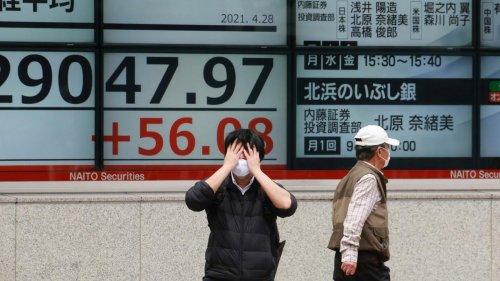 Asiatische Aktien stürzen auf Monatstief ab