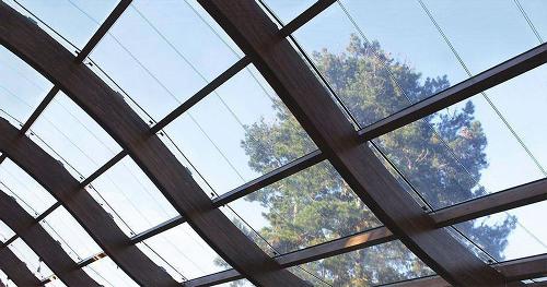 Scientists develop transparent electrode that boosts solar cell efficiency