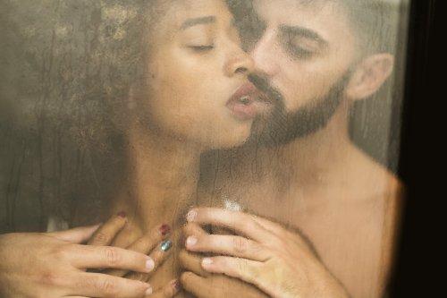 3 Sexspiele für Paare: So aufregend war euer Liebesspiel noch nie
