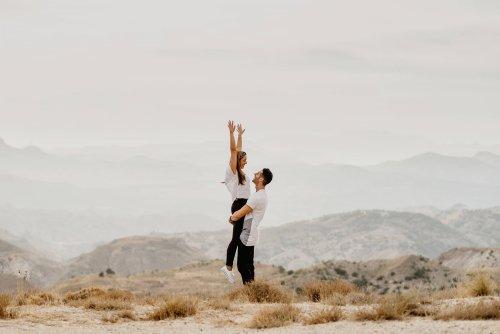 Wären wir in offenen Beziehungen glücklicher? Eine Expertin sagt Ja!