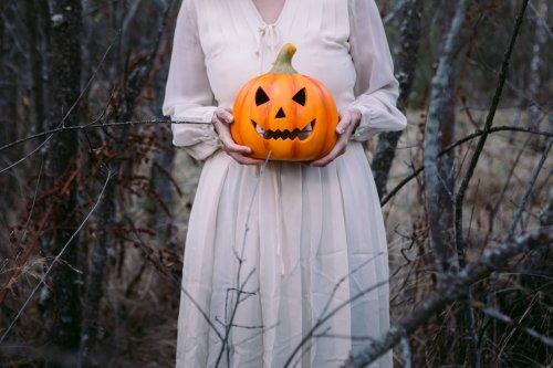 Kürbisschnitzen für Erwachsene: So wird dein Halloween-Kürbis allen die Show stehlen