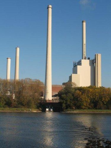 Keine Verlängerung der Kühlwassergenehmigung für das EnBW Kohlekraftwerk RDK 7 in Karlsruhe.