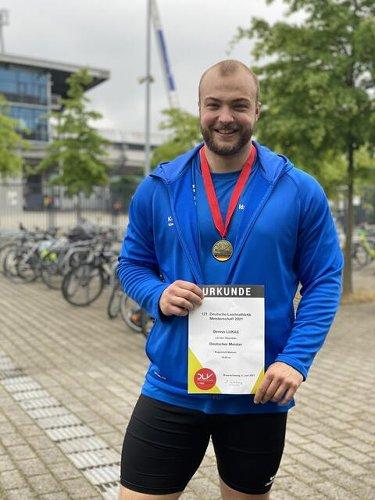 TUK-Student Dennis Lukas ist Deutscher Meister im Kugelstoßen