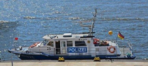 Für die leblose Person im Rhein kam jede Hilfe zu spät