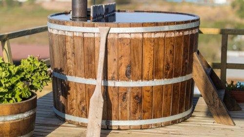 Badefass selber bauen: In 7 Schritten zum eigenen Badezuber