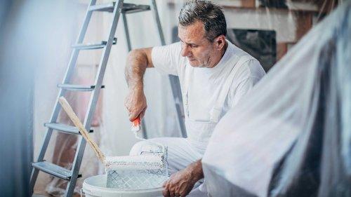 Stimmt es, dass Profis spezielle Wandfarbe zum Streichen verwenden?