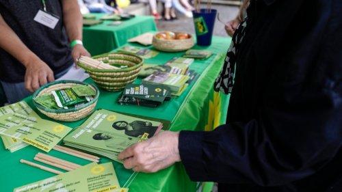 Bundestagswahl News: Angriff auf Grünen-Wahlstand ++ Überraschung bei Briefwahl?
