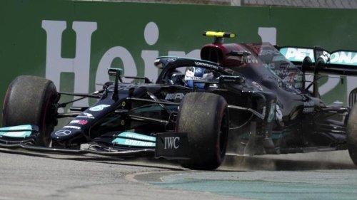 Bottas im ersten Training in Barcelona vor Verstappen