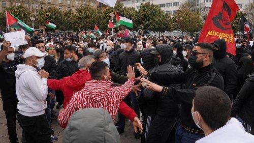 Proteste gegen Vorgehen Israels - Ausschreitungen in Berlin