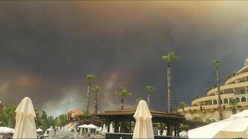 Türkei: Waldbrand in Antalya - Mehrere Menschen verletzt