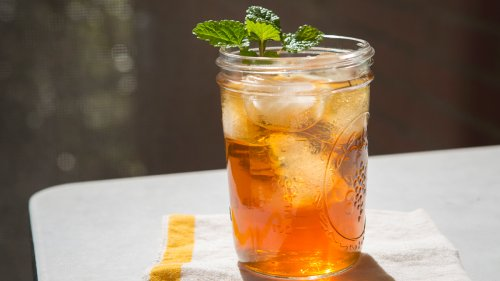 Make a Single Glass of Freshly-Brewed Sweet Tea With This Easy Recipe