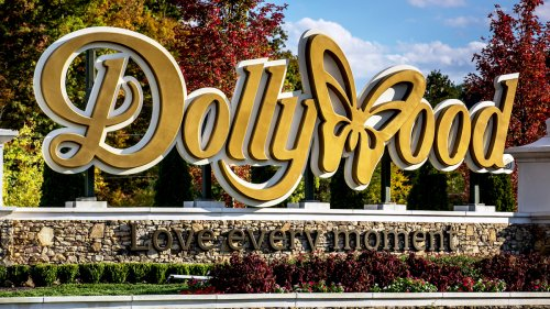 You Can Score an Actual Piece of Dollywood (Including a Classic Car!) in Upcoming Auction