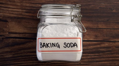 4 Surprisingly Helpful Baking Soda Hacks We All Forget About