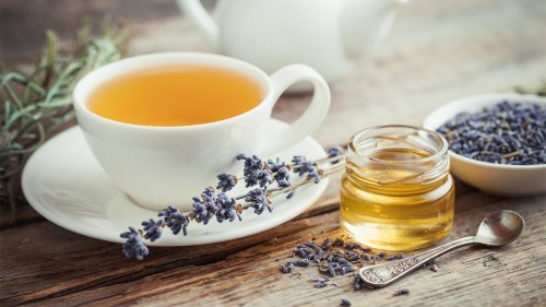 5 Soothing Herbal Teas to Nix Headaches and Migraines
