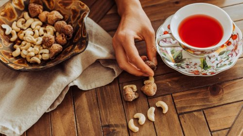 5 Natural Cures for Lowering Cholesterol Without Taking Meds