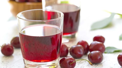 Sipping This Tasty Fruit Juice Can Help Lower Inflammation and Gout Risk and by 35%