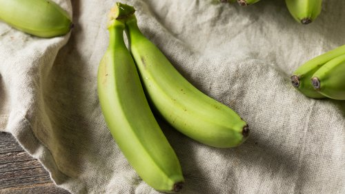 Eating Bananas Before They're Ripe Comes With Surprising Benefits for Your Blood Sugar and Gut Health