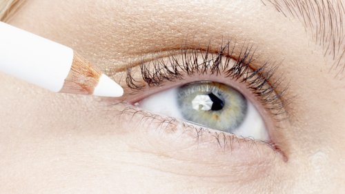 Have Hooded Eyes? This Simple Makeup Trick Will Make Your Peepers Pop