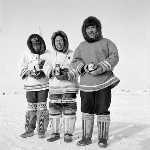 Les Inuit sur le billet canadien de 2 $ de 1975
