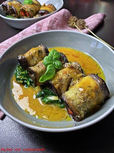 Auberginen-Bärlauch-Roulade mit Spinat und Orangenbutter…klein und fein