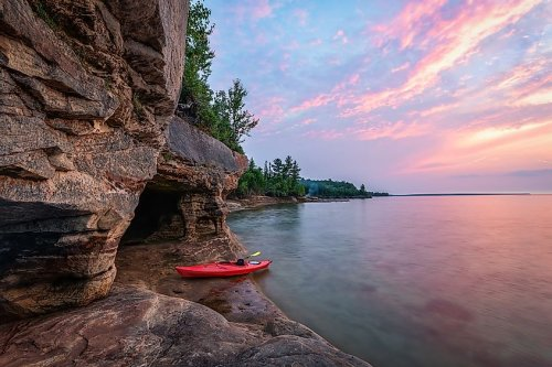 10 Largest Lakes In North America