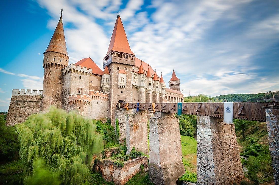 15 Amazing Medieval Castles