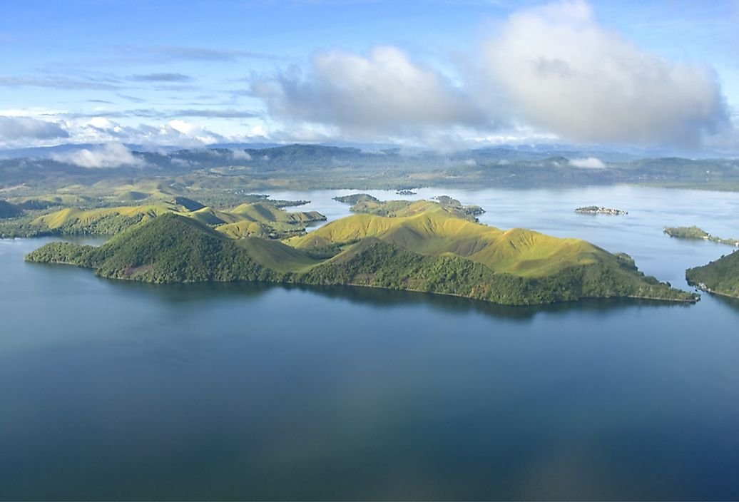 Which Countries Share the Island of New Guinea?