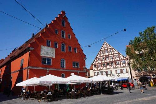 Nördlingen Sehenswürdigkeiten: Tipps für die Stadtmauer, Altstadt & die Region