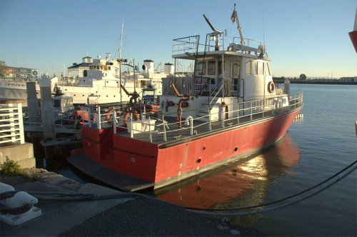 FEMA awards Oakland Fire Department $825K grant to purchase new fireboat