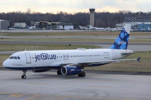 Snotty JetBlue passenger used blanket as tissue, fined $10,500 | Boing Boing