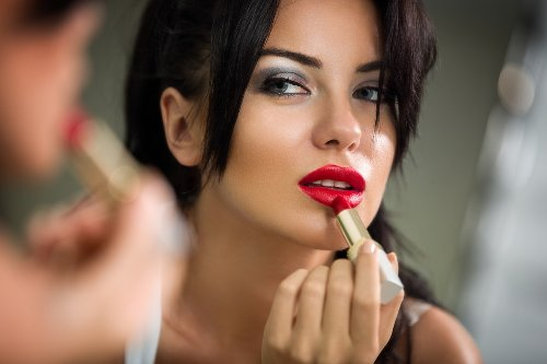 If You Bought This Cosmetic, it May Have Toxic Chemicals, Study Warns | Eat This Not That